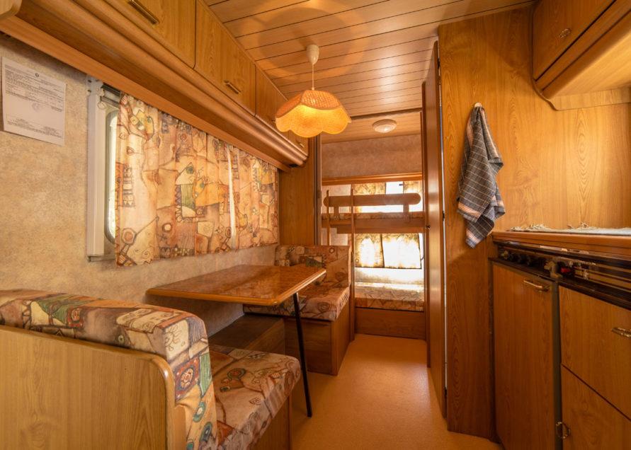 Caravan - interno