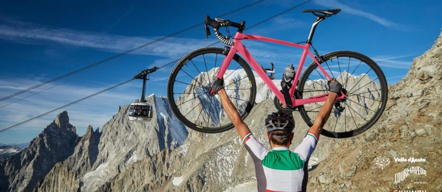 Tour of Italy stops in Courmayeur